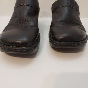 Born Slip On  Mules Brown Leather Pebble Size 10